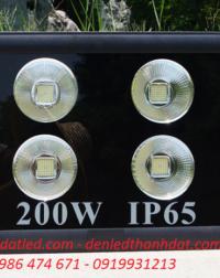 đèn pha led 200w sân bóng rọi