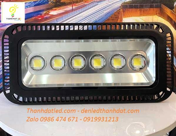 đèn pha led 300w thấu kính