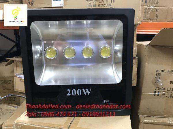 Đèn pha led công trình 200w