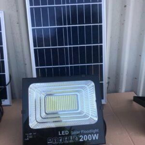 Đèn năng lượng mặt trời 200w S15